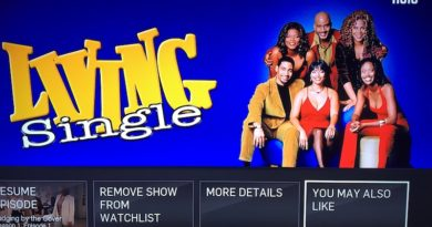 The Living Single splash screen for Hulu